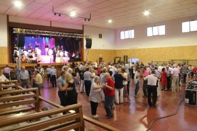 Ball de diumenge amb diferents actuacions cada setmana